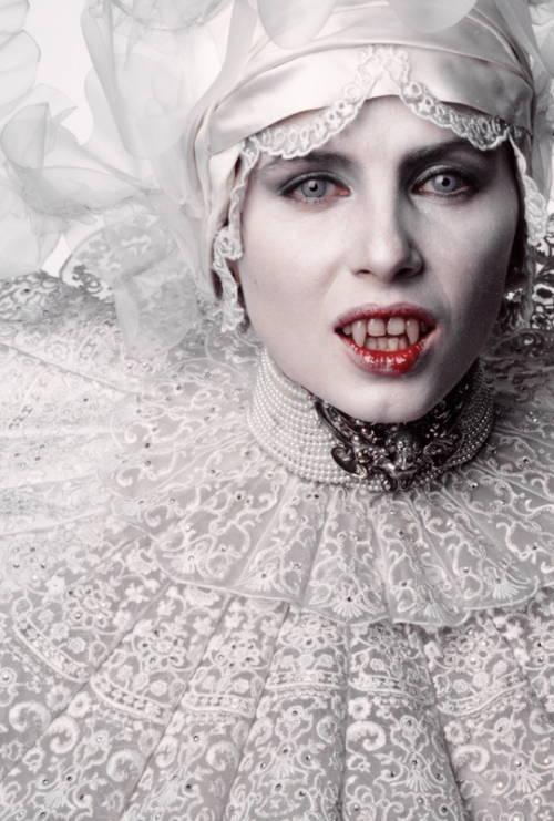 Sadie Frost in Bram Stoker's Dracula 1992