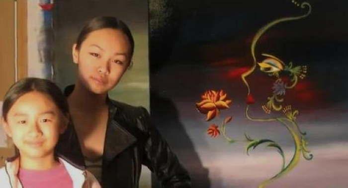 Zoe Yin and Victoria Yin