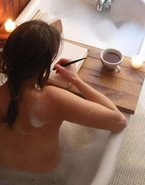 woman-writer-bathtub