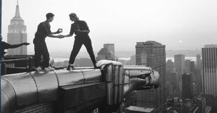 Annie Leibovitz working atop the Chrysler Bldg