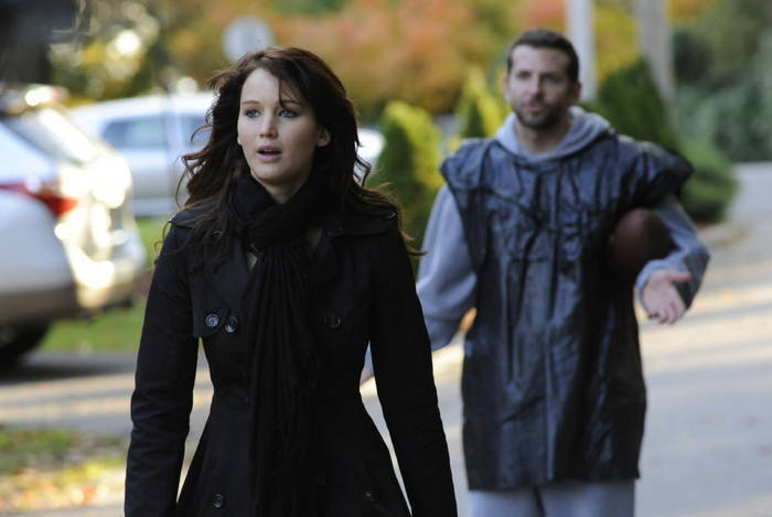 jennifer-lawrence-bradley-cooper-silver-linings-playbook